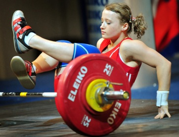 TOPSHOTS-ROMANIA-EUR-WEIGHTLIFTING-WOMEN-48KG-KARPINSKA